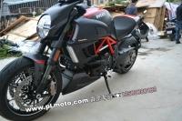 11年杜卡迪大鬼-红碳钎Ducati DIAVEL 霹雳车行2012.21现货