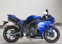 新到2010款雅马哈战斧YZF-R1蓝白色