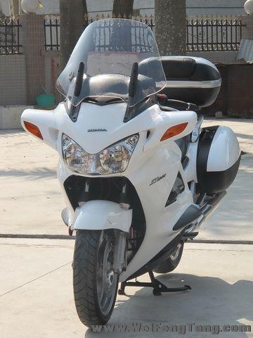 新到2005年本田ST1300运动旅行车,带三箱,白色 ST1300图片 2