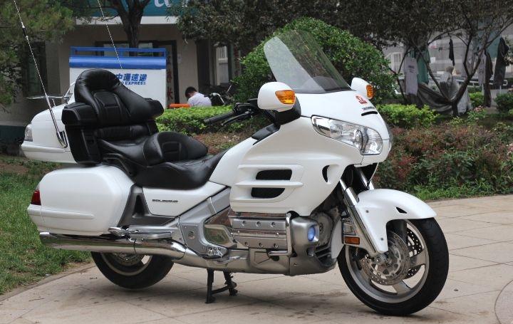 款本田Gold Wing 1800摩托车图片3