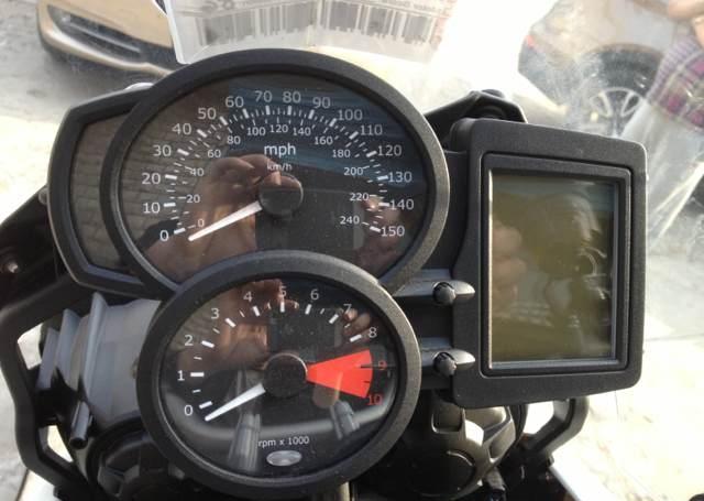 新到2010款 宝马F800GS 三十周年纪念款 原板原漆 无翻新 红色座椅 宝马大小眼 图片 2