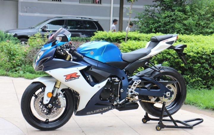 2011款铃木GSX-750R蓝色车架 铃木小R纪念版,原装钥匙,公里数少 GSX-R750图片 3
