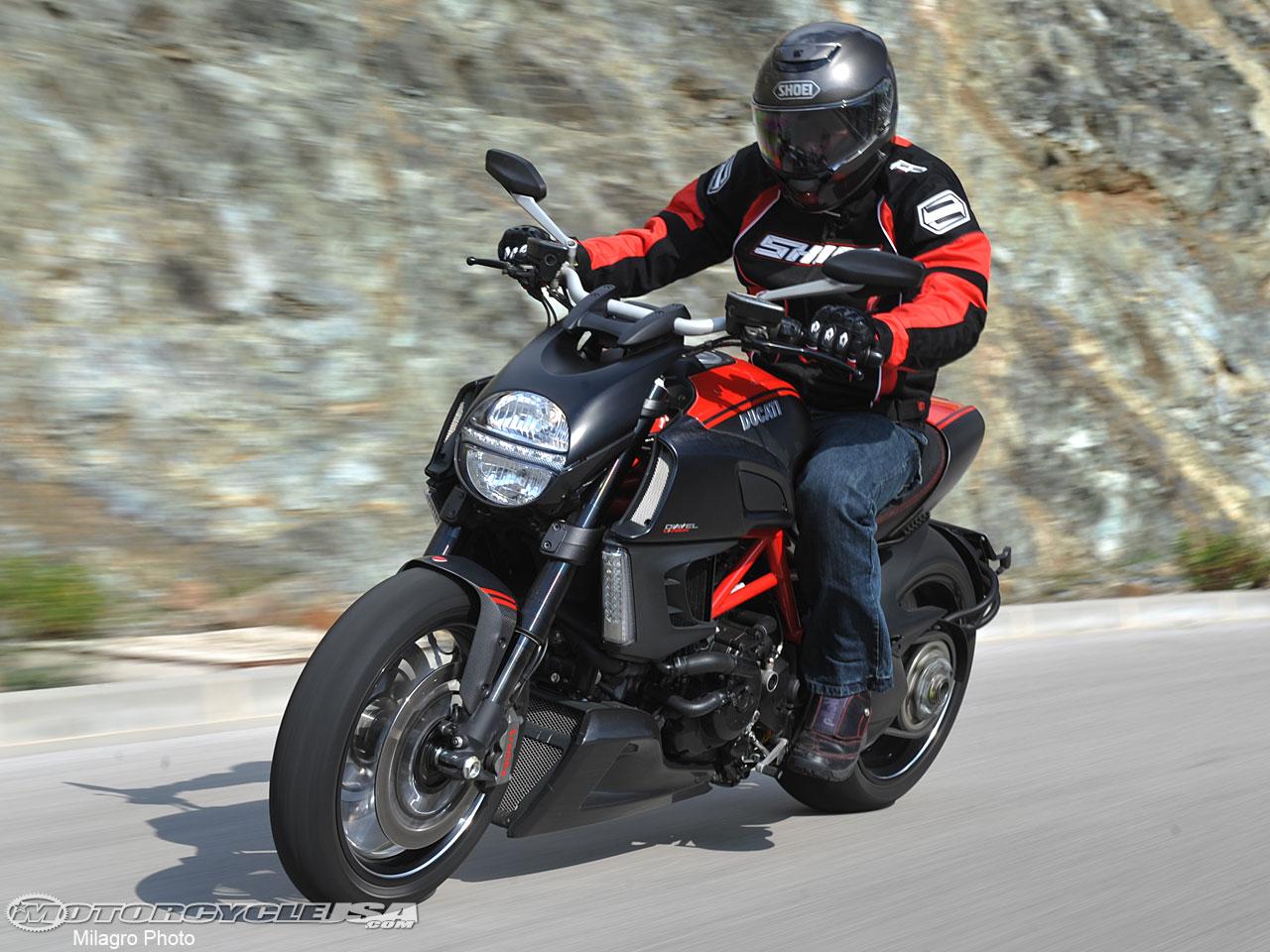 【杜卡迪diavel Carbon摩托车图片】杜卡迪摩托车图片大全 机车网