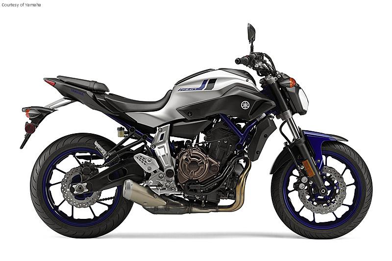 雅马哈FZ-07摩托车