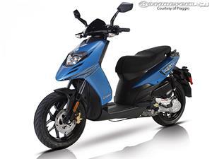 比亚乔Typhoon 50摩托车