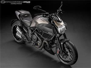 杜卡迪Diavel Titanium摩托车
